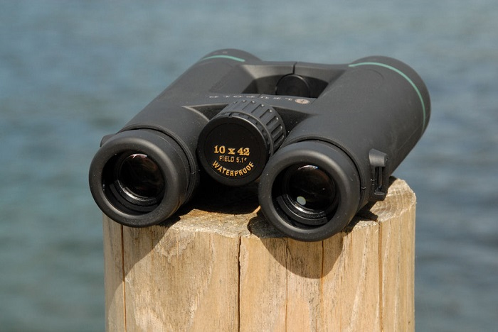 Leupold Mojave Roof Prism Binoculars On Wood Reviews